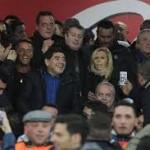 مارادونا يطالب السلطات الايطالية بالكف عن ملاحقته كلما زار ايطاليا