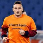 فيديو و صور .. لاعبو روما يدعمون ستروتمان