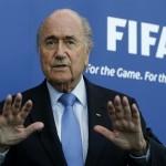 بلاتر : لا يجب أن يدخل الصراع السياسي في كرة القدم