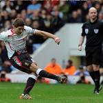 ثلاثي ليفربول ضمن القائمة المختصرة لأفضل لاعب بالدوري الإنجليزي