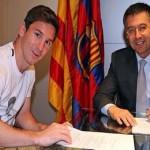 ميسي يوقع على عقده الجديد مع برشلونة