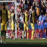 فيديو : هزيمة اتليتكو مدريد بثنائية امام ليفانتى تنعش امال الريال و البارسا فى المنافسة على لقب الليجا