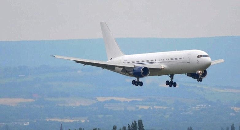 طائرة-المنتخب-الانجليزى