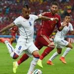 جماهير تشيلى تصف فيدال بملك اسبانيا الجديد