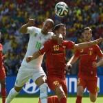 نجم بلجيكا يجرى فحوصات على القدم عقب مباراة الجزائر