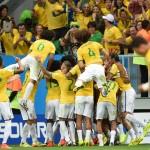 لاعبو البرازيل يحتفلون ببلوغ ثمن النهائي بغناء السامبا