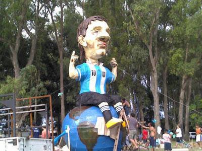 تمثال ميسي
