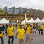 البرازيليون يتلقون هزيمة بلادهم بالمونديال بأسوأ شكل .. والشغب يجتاح الشوارع