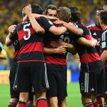 المانيا تتلقى استقبال الأبطال من مشجعين برازيليين