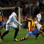 إشبيلية يتعادل مع فالنسيا..وغرناطة يفوز بصعوبة علي ديبورتيفو في افتتاح الدوري الإسباني