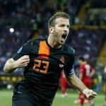 """عودة """"فان دير فارت"""" و""""فان دير فيل"""" لقائمة المنتخب الهولندي"""