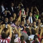 احتفالات جماهير الأتلتيكو تعم ساحة نبتونو بعد الفوز بكأس السوبر