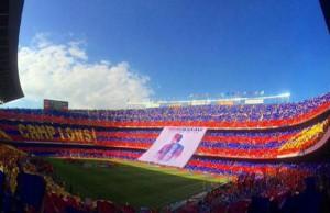 جماهير برشلونة تودع تشافي