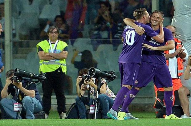 فيورنتينا يصعق برشلونة بهدفين