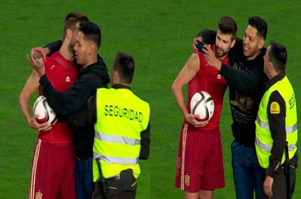 فيديو .. مشجع يقتحم الملعب ويصر على إلتقاط سيلفي مع بيكيه
