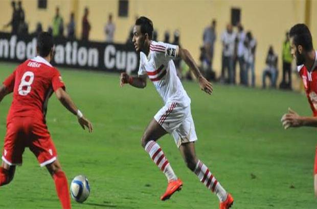 صور .. جماهير الهلال  السعودي تطالب لاعبيها بالتعلم من الزمالك