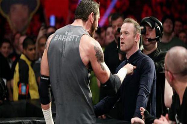 """فيديو وصور .. ليفربول يتسبب في صفع روني لـ """" مصارع """" في عرض WWE !"""