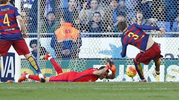 إسبانيول يعرقل برشلونة بتعادل سلبي في ديربي كتالونية