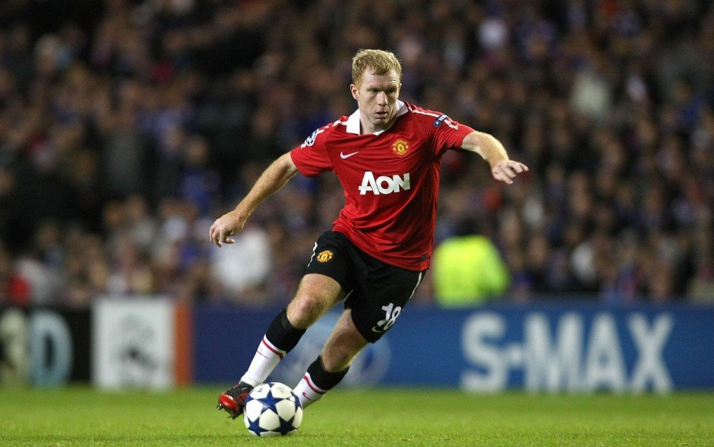 GLASGOW, SCOTLAND - NOVEMBER 24: Paul Scholes of Manchester United in action during the UEFA Champions League Group C match between Glasgow Rangers and Manchester United at Ibrox Stadium on November 24, 2010 in Glasgow, Scotland. (Photo by John Peters/Man Utd via Getty Images)