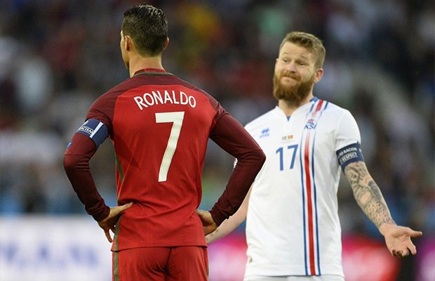 البرتغال وآيسلندا