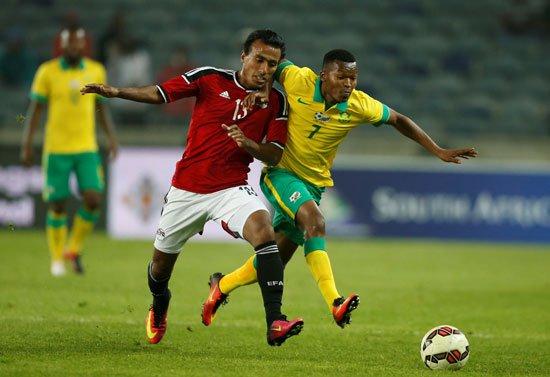 46373-منتخب-مصر-يخسر-بهدف-أمام-جنوب-أفريقيا-فى-ودية-مانديلا-(4)