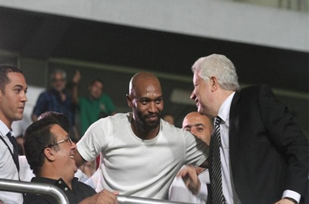 منصور : شيكابالا ليس «إستثنائي » ومصير ستانلي في يد الزمالك