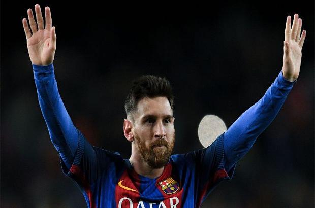 رسميًا .. ميسي يتسبب في إقالة مدير برشلونة !