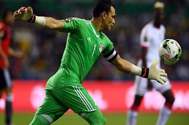 #بين_الشوطين |الحضري أكثر من لمس الكرة بمنتخب مصر !