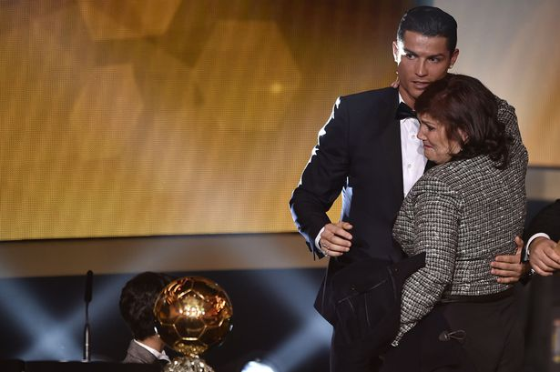 Footballers-and-their-beloved-Mums