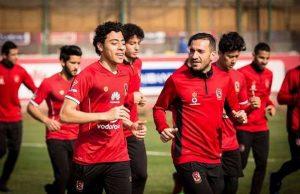 ali-maaloul-akram-tawfeeq-al-ahly-training-12-2-2017_58y5du18ls701b68x3gim4t4s