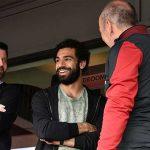 صور | جماهير ليفربول تكيل بالمديح على محمد صلاح
