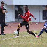 مدرب الأهلي يحذر اللاعبين من فخ سهولة القطن الكاميروني