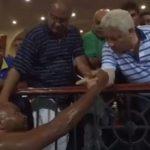 فيديو.. من داخل الملعب منصور يستعين بشيكا لطرد إيناسيو