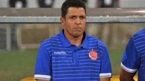 مدرب الوداد يحذر لاعبيه من استفزازات الأهلي ويجري 3 تعديلات
