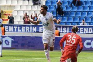 موقع عالمي: تريزيجيه أفضل لاعب في الدوري التركي متفوقا على نجم البرتغال