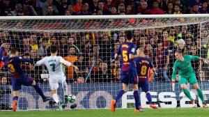 الكلاسيكو ينتهي بالتعادل.. برشلونة ينجو من أول هزيمة بالليجا