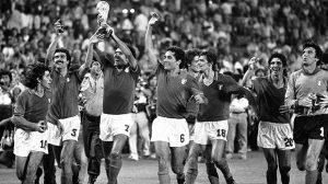 حكاوي المونديال في رمضان (2) حينما رضخت كرة القدم للعبث السياسي !