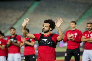فيديو.. محمد صلاح يتدرب لأول مرة على أرض الملعب منذ انضمامه للمنتخب