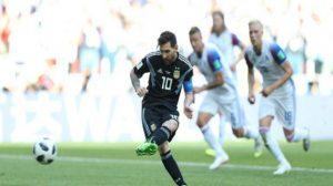 ميسي يضيع آمال الأرجنتين ويفشل في فك شفرة دفاع ايسلندا الحديدي