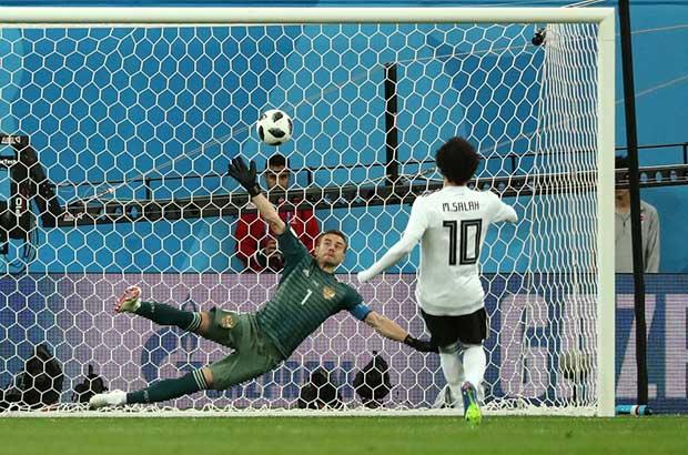 الدب الروسيا يقتل أحلام المصريين في كأس العالم بعد غياب 28 عام !