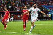 إسبانيا تفوز على إيران بشق الأنفس وتطارد البرتغال في المجموعة المشتعلة