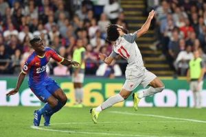 الصحافة الإنجليزية تتغنى بفخر العرب وتهدده بالإيقاف 3 مباريات !