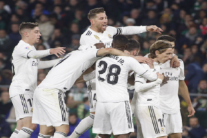 ريال مدريد يتغلب على الإصابات ويتخطى ريال بيتيس بسيناريو درامي