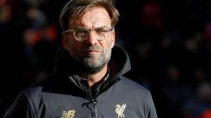 كلوب في ورطة.. الإيقاف قد يحرم ليفربول من النجم والقائد!