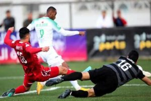 """رغم الفوز .. """"مدرب الأهلي"""" يفشل في قيادة الرجاء لنصف نهائي البطولة العربية"""