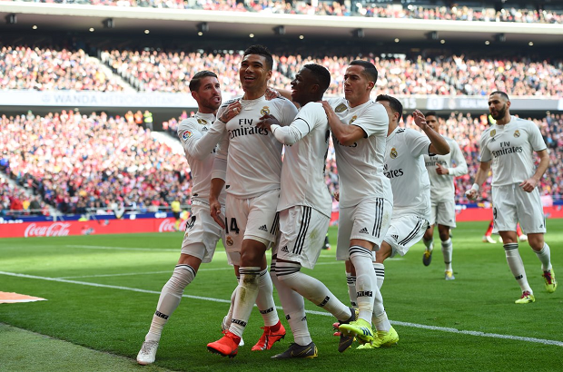 """""""ريال مدريد يحكم العاصمة"""" ويواصل زحفه نحو المقدمة بقهر أتلتيكو في عقر داره"""