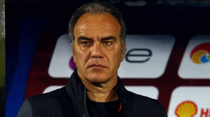 رغم الفوز الخامس تواليًا| ثغرة الأهلي مستمرة.. لاسارتي لا يُصحح أخطاء الخط الخلفي