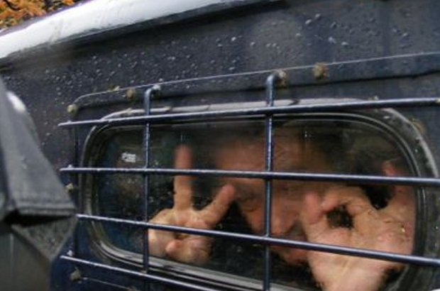 """مصائب السبيشال وان تتوالى.. الحكم بسجن """"النصاب"""" مورينيو عام كامل بسبب الكسب غير المشروع"""