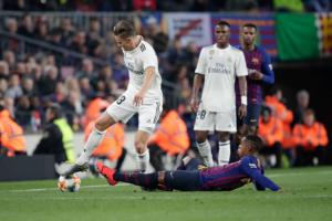 بعد تألقه في الكلاسيكو.. ريال مدريد يعلن رسميًا إصابة نجمه الصاعد بقوة