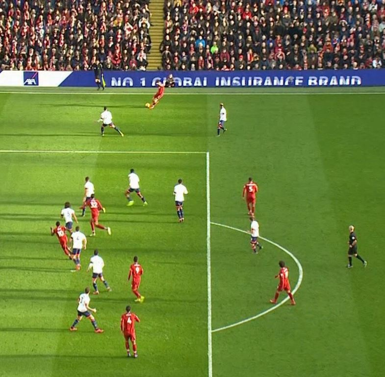 انت الحكم| هل أحرز ليفربول هدفًا من خلال حالة تسلل مجددًا؟